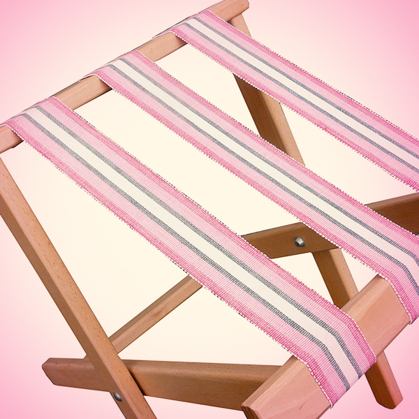 luggage rack in pink